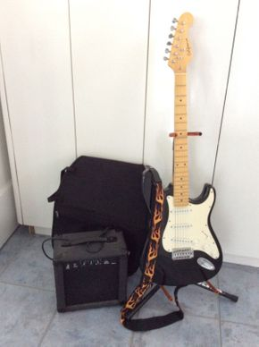 Lot 077 California Electric Bass Guitar with Axtron Amp  ITEM CAN BE PICKED UP IN ROCKVILLE CENTRE