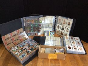 Lot 096 Lot of Baseball Cards and Medallions 1940, 1950, 1960  ITEM CAN BE PICKED UP IN ROCKVILLE CENTRE