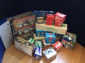 Lot 097 Lot of Baseball Cards 1970, 1980-2000 ITEM CAN BE PICKED UP IN ROCKVILLE CENTRE