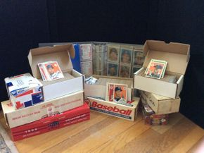 Lot 099 Lot of Baseball Cards 1980-2000 ITEM CAN BE PICKED UP IN ROCKVILLE CENTRE
