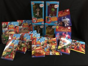 Lot 019 Loony Tunes Talking Figures, Disney Figures, Aladdin, Toy Story