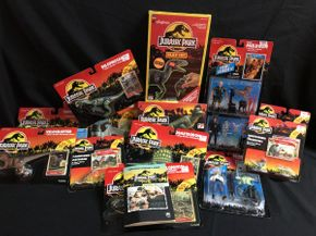 Lot 020 Jurassic Park Figures and Hot Wheels Cars