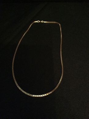 Lot 009 18K Gold Box Chain  ITEM CAN BE PICKED UP IN ROCKVILLE CENTRE
