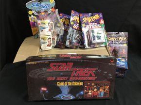 Lot 028 Star Trek Game, Cups, Figures and Spiderman Steel
