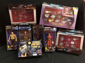 Lot 032 Large Star Trek Figures and Micro Machines