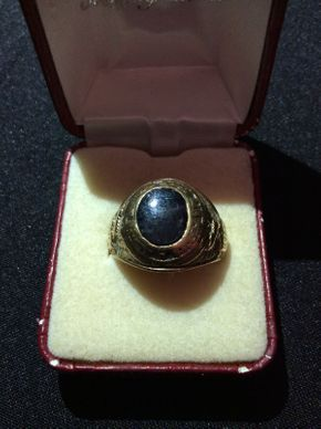 Lot 024 Vintage 10K Gold School Ring ITEM CAN BE PICKED UP IN ROCKVILLE CENTRE