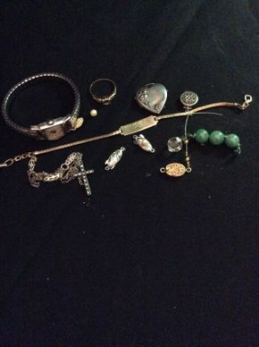 Lot 025 Lot of Assorted Gold and Silver Jewelry ITEM CAN BE PICKED UP IN ROCKVILLE CENTRE