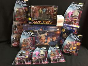 Lot 047 Star Trek Figures and The Star Trek Game