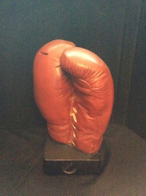 Lot 040 Plaster Boxing Glove Bank  ITEM CAN BE PICKED UP IN ROCKVILLE CENTRE