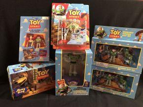 Lot 071 Lot Of Buzz Lightyear Toys