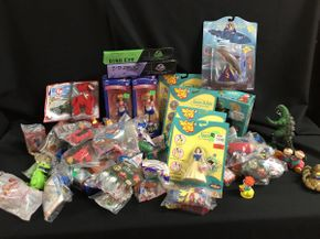 Lot 075 Mc Donald Toys, Sailor Moon Toys, Wind-em Toys