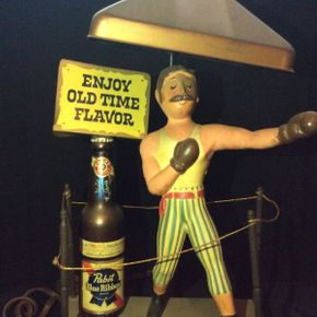 Lot 058 Pabst Blue Ribbon Bar Lamp   ITEM CAN BE PICKED UP IN ROCKVILLE CENTRE