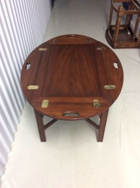 Lot 087 Henkel-Harris Drop Leaf Coffee Table ITEM CAN BE PICKED UP IN GLEN COVE