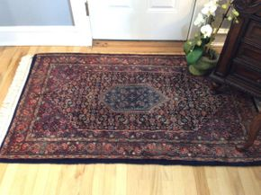Lot 033 Handmade Rug  ITEM CAN BE PICKED UP IN GARDEN CITY
