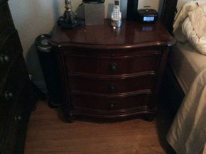 Lot 053 Drexel Heritage Night Stand ITEM CAN BE PICKED UP IN GARDEN CITY