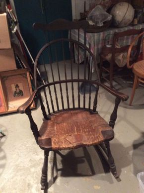 Lot 004 Antique Combback Rocker Circa 1800  ITEM CAN BE PICKED UP IN OCEANSIDE