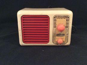 Lot 009 Vintage Superheterodyne Radio Receiver by Trav-Ler ITEM CAN BE PICKED UP IN OCEANSIDE