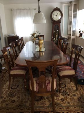 Lot 006 Burlewood Dining Room Table  ITEM CAN BE PICKED UP IN GREAT NECK