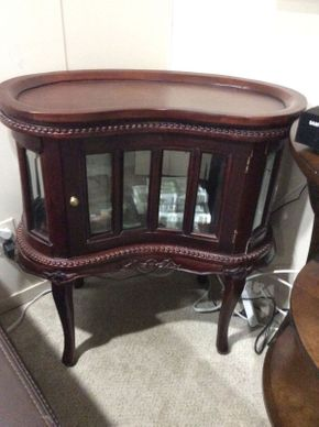 Lot 009 Cherry Finish Curio/Display Cabinet   ITEM CAN BE PICKED UP IN GREAT NECK