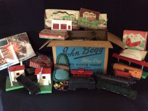 Lot 014 Large Lot of 0 Gage Lionel Trains, Tracks and Accessories   ITEM CAN BE PICKED UP IN GLEN HEAD