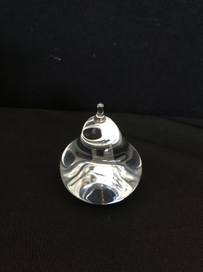 Lot 020 Steuben Pear Glass Paperweight 3.5in