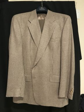 Lot 038 Mens Burberry Wool and Silk Blend Suit 46L