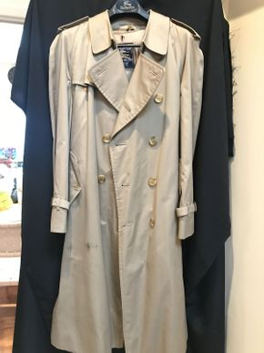 Lot 043 Mens Burberry Lined Trench Coat 44R