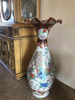 Lot 009 Chinese Inspired Vase 31in TallITEMS TO BE PICKED UP OCEANSIDE