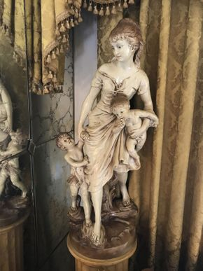 Lot 031 Painted White Metal Statue 35x15 ITEMS TO BE PICKED UP IN OCEANSIDE
