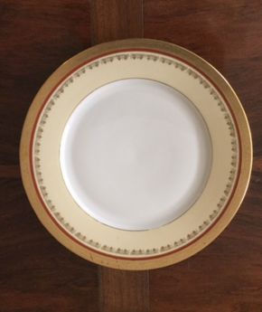 Lot 037 Set of 12 T K Thun Bohemia Czech Dinner Plates  ITEM TO BE PICKED UP IN EAST NORWICH