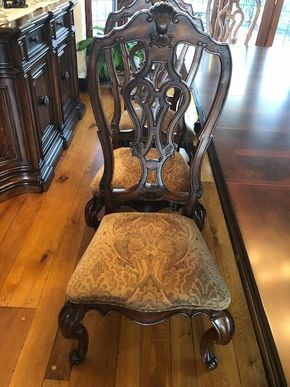 Lot 004 Lot of 8 Casa Verona By Universal Furniture Dining Room Chairs 2 Arm, 6 Side