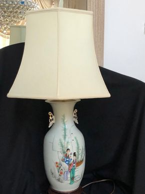 Lot 104 Antique Chinese Lamp 19x10  ITEMS TO BE PICKED UP IN MANHASSET HILLS