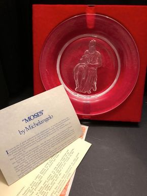 Lot 024 The Danbury Mint Moses By Michelangelo Full Lead Crystal Collector Plate