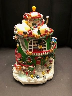 Lot 012 Danbury Mint The MM Christmas House