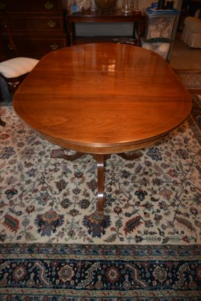 Lot 019 Wood Dining Table 29.5H x 62.875W x 39L  w/2- Leaf 5.75W PICK UP IN ROCKVILLE CENTRE, NY