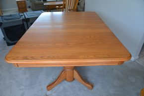 Lot 006 Oak Wood Dining Table 28.5H x 41W x 59.5L  Self-Storing Butterfly x1 18W Leaf. 2-18W Leafs/Pads PICK UP IN SEAFORD, NY