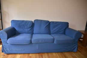 Lot 031 Sofa 3 Seater Slip Cover 29H x 83W x 27L PICK UP IN MINEOLA, NEW YORK
