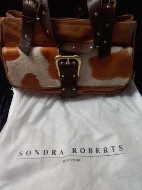 Lot 054 Sondra Roberts Pocketbook PICK UP IN GARDEN CITY