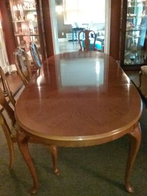 Lot 093 Bernhardt Oval Dining Room Table With Pads 29H x 44W x 68L with the two 18Inch Leaves PICK UP IN GARDEN CITY