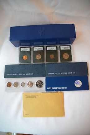 Lot 008 Lot of Assorted US Coins and Proof Sets 1976 -S Lincoln 1c, Jefferson 5c, Roosevelt 10c, Washington 25C and Special Mint Sets for years 1960, 1966 x2,1967, 1969 and Philadelphia US Mint 1963