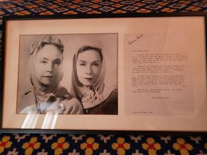 Lot 016 Pd./PU-GC Framed B/W Photograph of American Actress (Called the First Lady of American Cinema) Lillian Gish, her sister Dorothy  w/Original Signed Thank you Letter, Dated September 5,1964