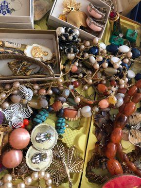 Lot 014 PU Lot of costume jewelry PICK UP IN WEST HEMPSTEAD