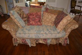 Lot 004 Upholstered Loveseat 30.5H x 67W x 36L PICK UP IN PORT WASHINGTON, NY