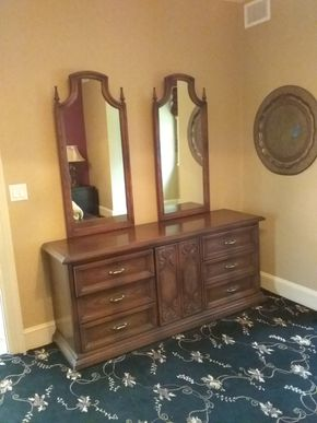 Lot 078 6 Drawer Dresser with 2 Mirrors AS IS  31H x 20W x 67L PICK UP IN OLD WESTBURY