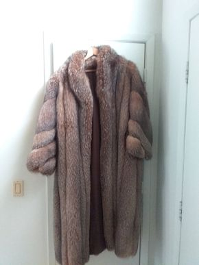 Lot 080 Full Length Ladies Fox Coat Size Small PICK UP IN OLD BROOKVILLE