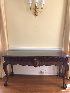 Lot 074 Carved Sofa Table CAN BE PICKED UP IN GARDEN CITY