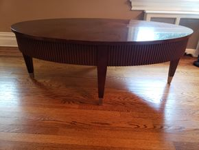 Lot 010 Ethan Allen Oval Coffee Table Dimensions Approx. 19.625H x 53W 31D PICK UP IN GARDEN CITY,NY