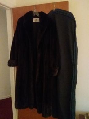 Lot 009 Ladies Barbatsuly Mink Size M.L PICK UP IN GLEN COVE