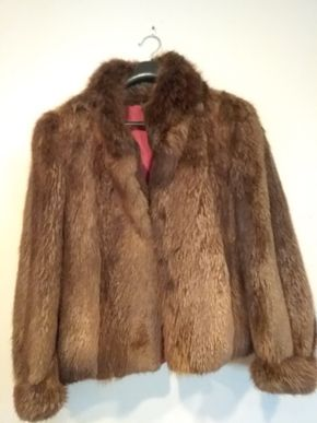 Lot 025 Ladies Beaver Jacket Size M/L PICK UP IN CEDARHURST