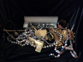 Lot 028 Lot Of Costume Jewelry PICK UP IN LOCUST VALLEY